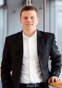Dr. Micha Hirschinger