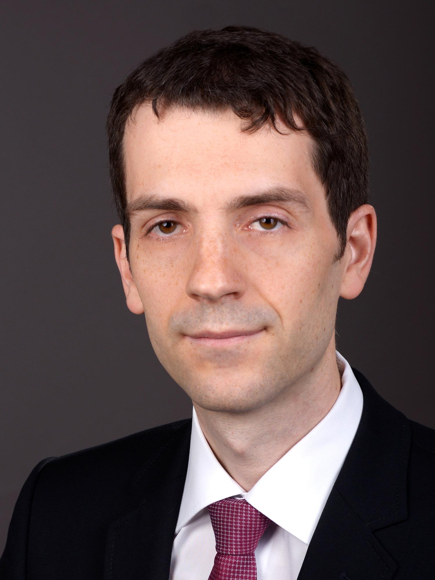 Dr. Stefan Herb